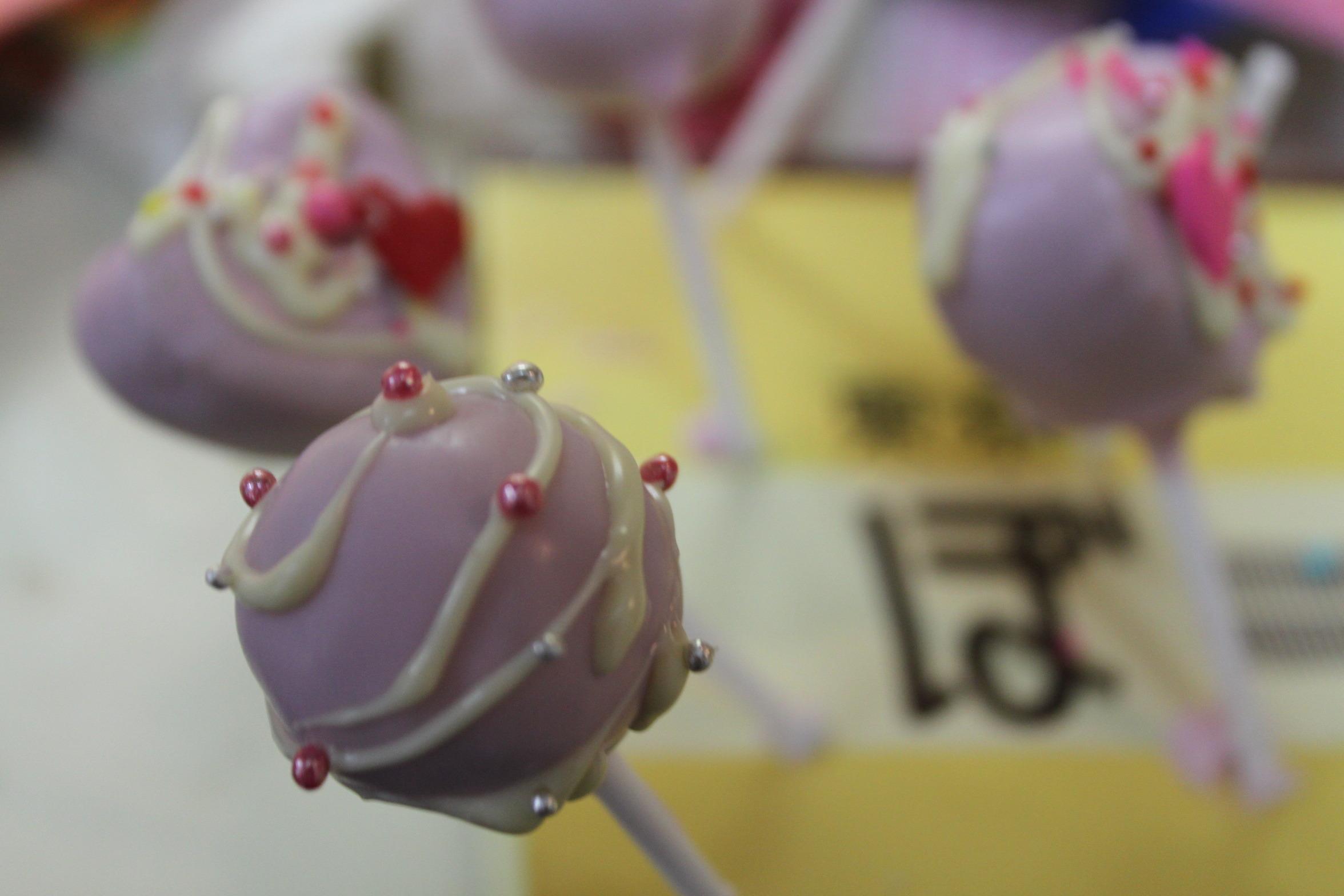 親子で作ろう簡単かわいいバレンタインスイーツ①ロリポップチョコ